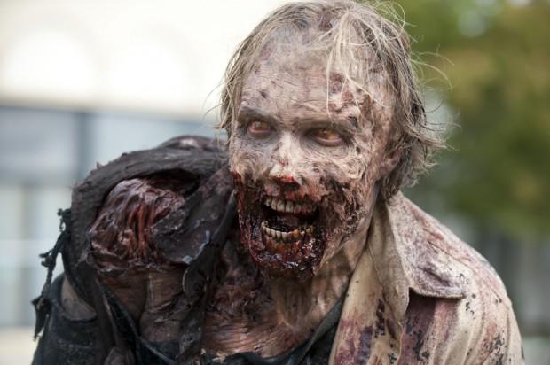 Walking-Dead-35-Zombie-01