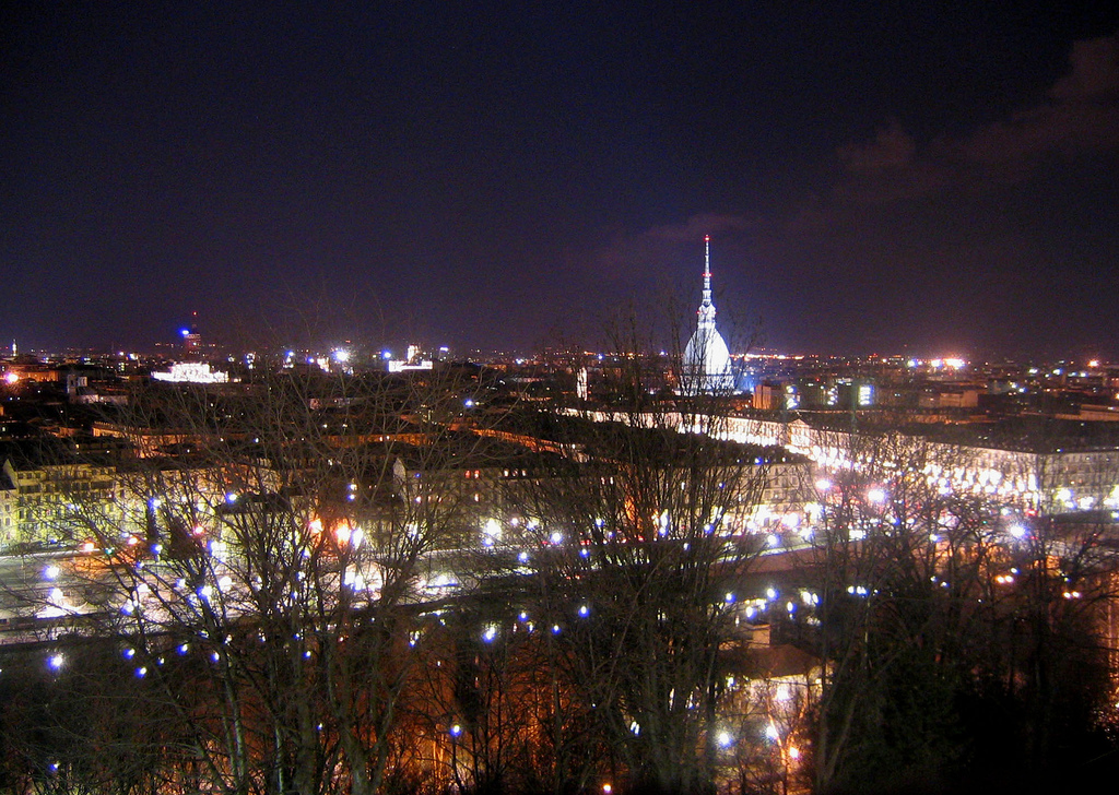 skylin Torino di sera - panorama dai cappuccini