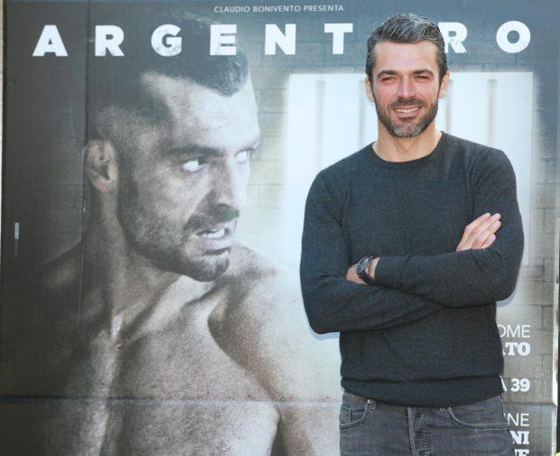 Luca Argentero per il suo ultimo film